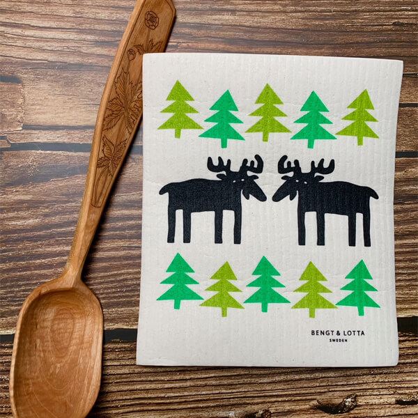moose in the forest dish cloth